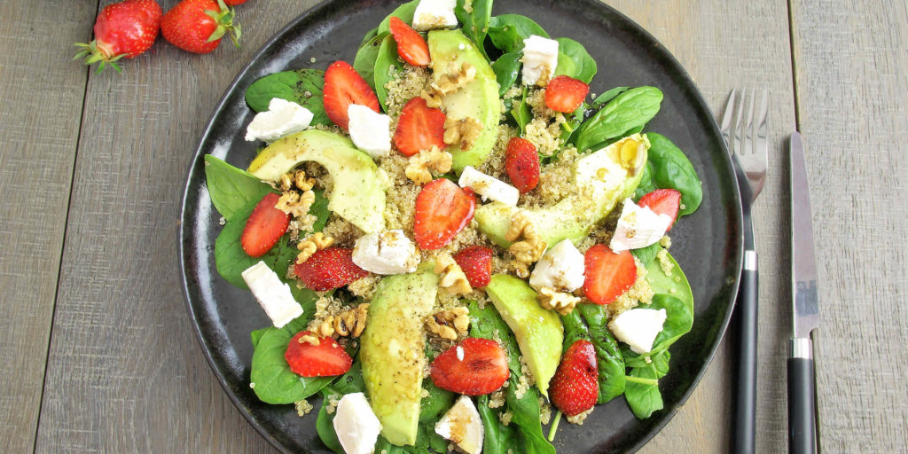 Salad Épinards Avocat Fraise Quinoa Fromage Chèvre Spinach Quinoa Goat Cheese Strawberry Salad