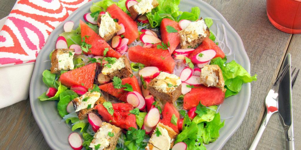 Salad Pastèque Radis Vermicelles Croutons Watermelon Radishes Vermicelli Croutons Salad
