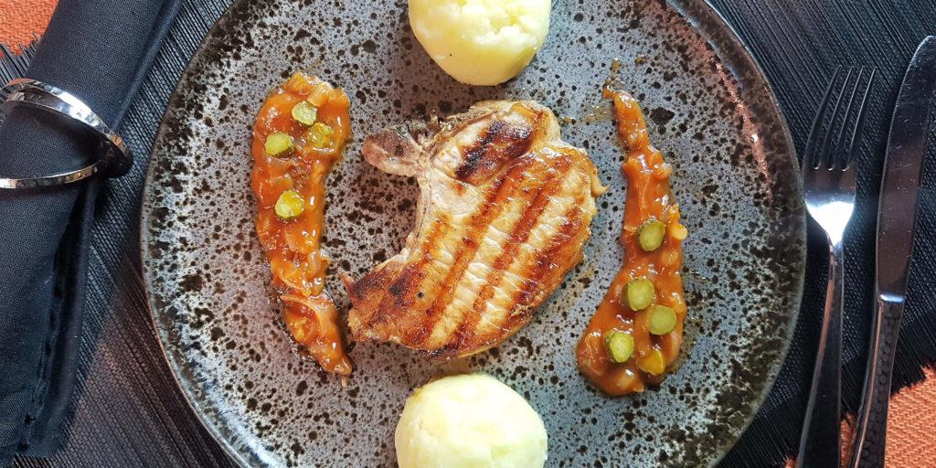 Côte Porc Charcutière Porc Chop Gurkin Sauce